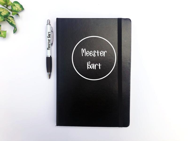 Notitieboek en pen met naam